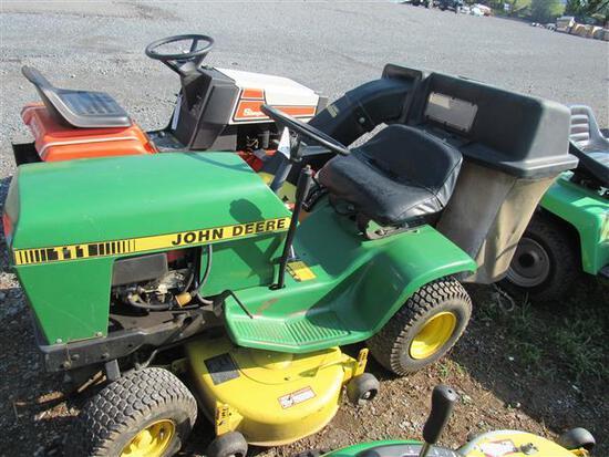JD 111 L&G Tractor