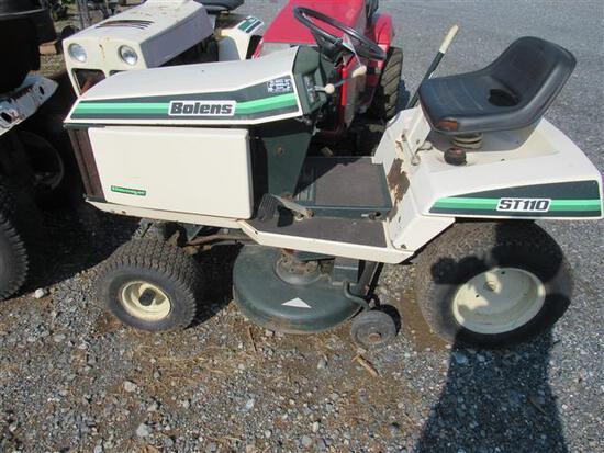 Bolens ST110 L&G Tractor (runs)
