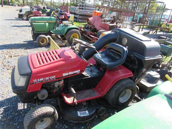Yard Machine Riding Mower w/Bagger