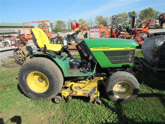 """JD 4100 Compact Tractor w/54"""" Mower Deck"""