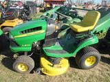 JD LA125 Lawn Tractor (runs)