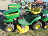 JD LA115 Lawn Tractor (runs)