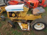 Int'l 72 Cub Cadet Lawn Tractor