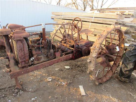 Farmall F12 2WD Tractor