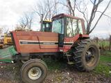 IH 5088 Tractor
