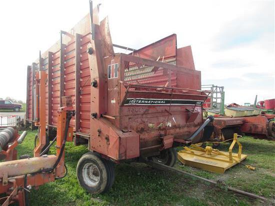 IH 120 Forage Wagon