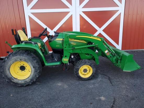 JD 3720 HST E-Hydro 4WD Compact 834 Hrs