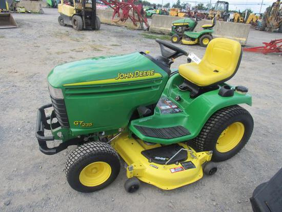 JD GT235 Lawn Tractor, 454 Hrs