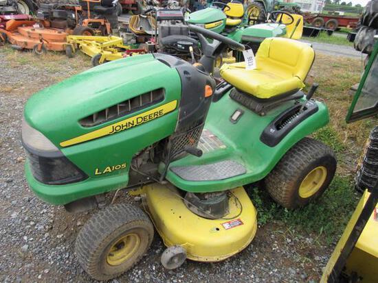 JD LA105 Lawn Mower