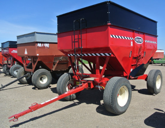 New Bruns 350 Bu gravity wagon