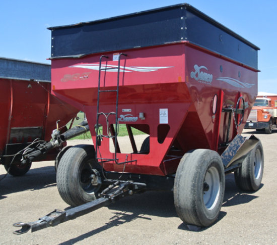 Demco 365 Bu gravity wagon