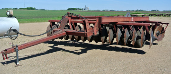 IH 760 15' off set plow disk