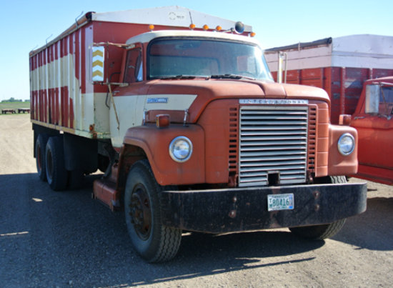 '70 International tandem axl truck