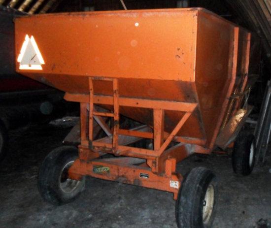 Bradford 200 bu gravity wagon