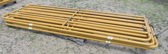 """lot of 4 Sioux 140"""" livestock gates"""