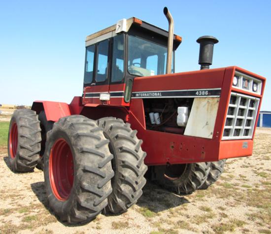 IH 4386 4WD