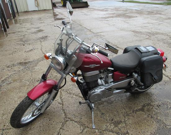 2006 Suzuki Boulevard 650cc motorcycle, 684 mi
