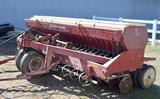 IH 620 grain drill w/ track eliminator
