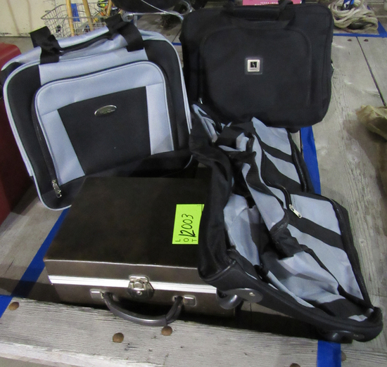 Luggage set and cassette case