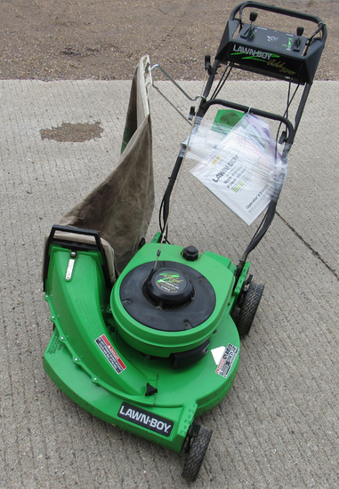 Lawn Boy self-propelled mower w/ bagger