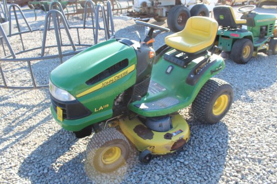 JD LA115 Mower
