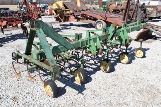 JD Row Cultivator