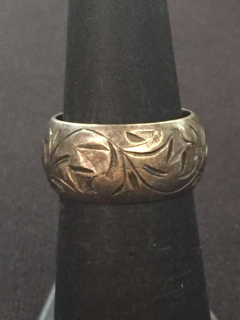 7/23 Beautiful Sterling Silver Ring Auction