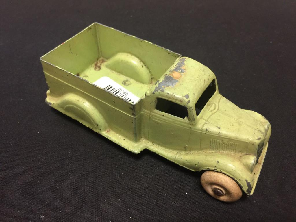 Antique Erie Die Cast Truck Made In Usa Art Antiques Collectibles Toys Hobbies Vintage Antique Toys Auctions Online Proxibid