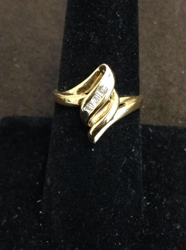Diagonal Channel Set Baguette Diamonds 0.20 Ctw 10Kt Gold Bypass Ring Band-Size 7-3 Grams