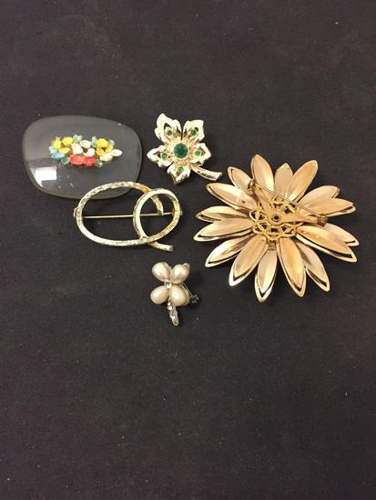 Lot of Five Various Size, Shape & Styled Fashion Alloy Brooches