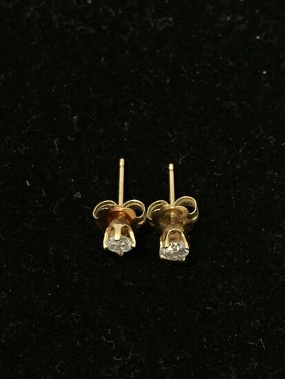 Stunning 14K Yellow Gold Diamond Stud Earrings