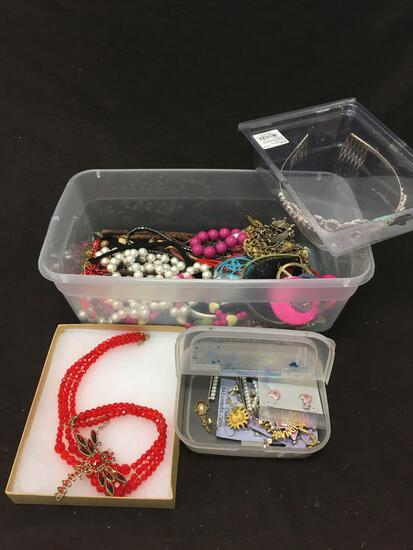 Lot of Costume Jewelry (Some New)