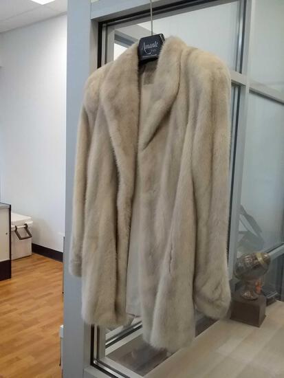 Amante Furs Natural Violet Female Mink Fur Coat $6000 Original Cost W/ Paperwork