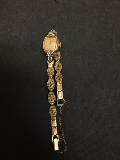 Vintage Bulova Design Square 14x14mm 10Kt Rolled-Gold Bezel Watch w/ Mesh Link Bracelet