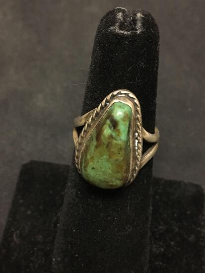 Old Pawn Native American Sterling Silver & Green Turquoise Ring Size 6