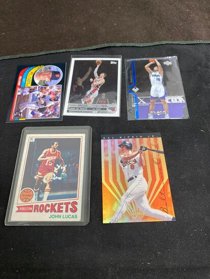 AMAZING Collection - Lot of 5 Sports Cards - Rookies, Stars, Inserts, Autos, VTG, Modern & More