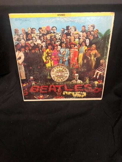 Sgt. Papper's Lonely Hearts Club Band Beatles Vintage Double Vinyl LP Record from Collection
