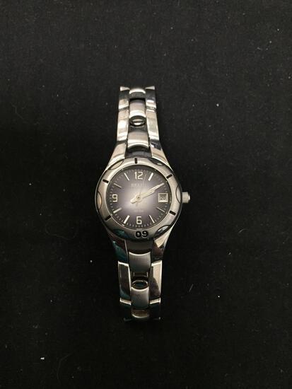 Relic Designer Round 25mm Bezel Water Resistant 165 ft Stainless Steel Watch w/ Bracelet