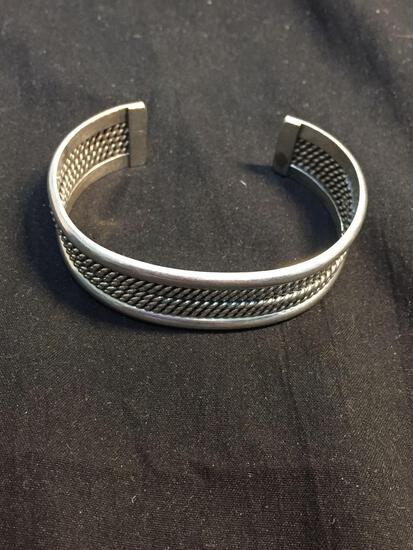 Five Rope Detailed Center Feature w/ High Polished Sides 17mm Wide 2.75in Diameter Sterling Silver