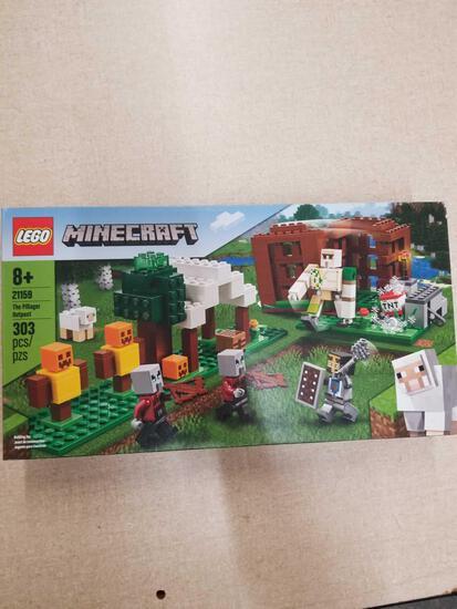 LEGO Minecraft 303 pcs 21159 New in Box