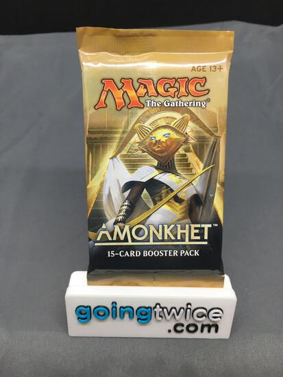Factory Sealed Magic the Gathering AMONKHET 15 Card Booster Pack