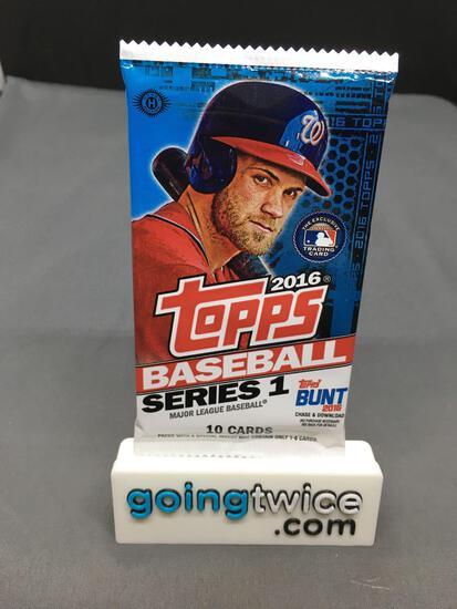 Factory Sealed 2016 Topps Baseball SERIES 1 Hobby Set 10 Card Pack