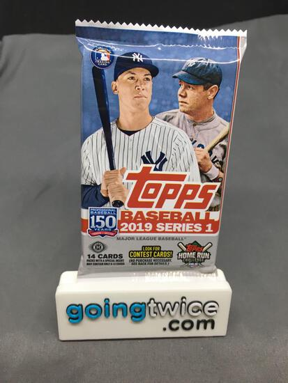 Factory Sealed 2019 TOPPS Series 1 Baseball Hobby Edition 14 Card Pack
