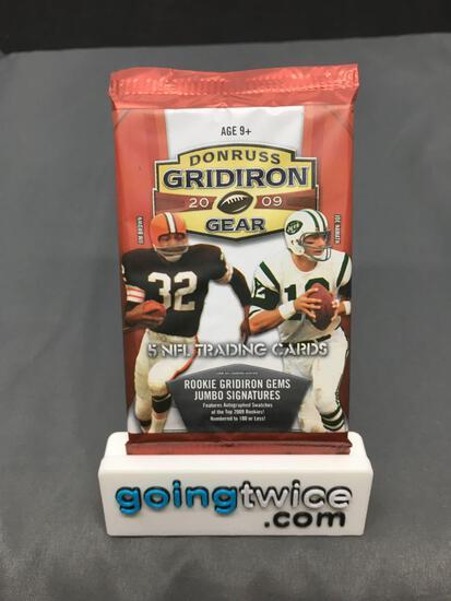 Factory Sealed 2009 Donruss Gridiron Gear Football 5 Card Pack