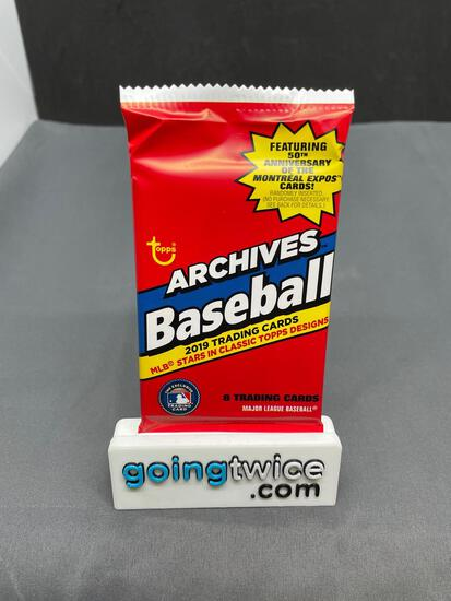 Factory Sealed 2019 Topps Archives Baseball 8 Card Pack