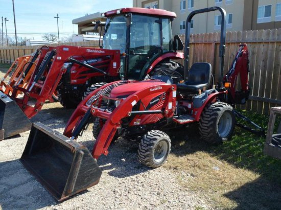 Mahindra EMax 25 HST w/ Amahindra EMax 25 L Loader and EMax 25 Backhoe Attachment - Hours read 277