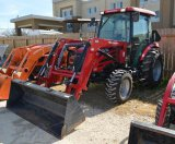 Mahindra 2555 HST with 2555 CL Loader - Hours read 68