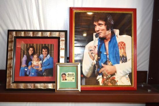 Elvis Memorabilia, 3 pieces