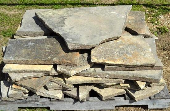 Pallet of Landscaping Flat Rock - assorted shapes/sizes