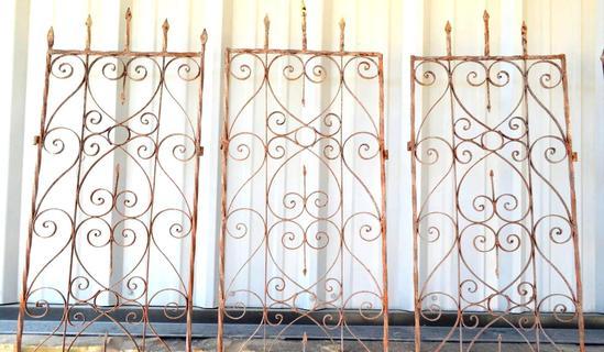 Iron Garden Decor, 4 Total Panels